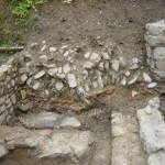 Muri di un edificio romanico